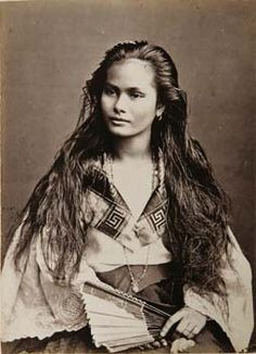"Portrait of a ""mestiza de sangley"" (Chinese-Filipino) woman. Photograph by Francisco Van Camp, ca. 1875."