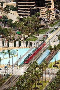 San Diego, California, The San Diego Trolley runs through the city's…