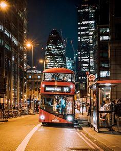Bishopsgate, Liverpool Street [City of London] England And Scotland, England Uk, London England, Travel England, London Bus, London City, Streets Of London, Liverpool Street, Liverpool Fc