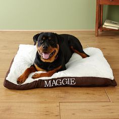 Large Gusset Dog Bed - Approved by @akcdoglovers, this extra-large bed is an exceptionally comfy and warm place for your dog to stretch out on.