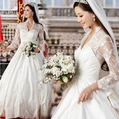Elegant Vintage Style Ivory White Lace Long Sleeve Wedding Bridal Gowns SKU-120115