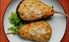 Stuffed Eggplant (Aubergine) by The Purple Foodie - with ham or sausage Greek Recipes, Indian Food Recipes, Meals Without Meat, Snack Recipes, Healthy Recipes, Snacks, Vegetable Dishes, Lunches And Dinners, Food Dishes