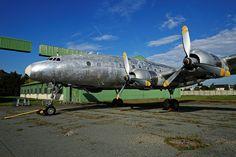 Lockheed Constellation L-049 transformé en L-749, N°2503 Air France - Réserves du Musée de l'Air et de l'Espace Dugny