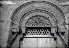 Huesca. Iglesia de San Pedro el Viejo. Tímpano de la portada lateral. José Galiay Sarañana
