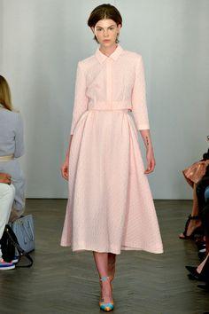 Emilia Wickstead Spring 2014 Ready-to-Wear Collection Slideshow on Style.com→色とトップスの形がいい。モデルのヘアスタイルと雰囲気もぴったり。