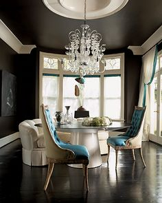 dining rooms - black turquoise blue tufted dining chairs white modern round dining table crystal chandelier black wood floors black walls paint color white silk drapes blue ribbon border trim home-sweet-home Black Ceiling, Ceiling Color, Coloured Ceiling, Floor Ceiling, Black Rooms, Dark Walls, Grey Walls, Brown Walls, Light Walls
