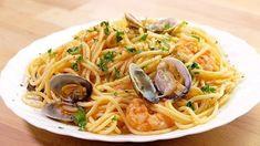 ESPAGUETIS CON GAMBAS Y ALMEJAS Empanadas, Food For Thought, Seafood Recipes, Risotto, Spaghetti, Tasty, Favorite Recipes, Healthy Recipes, Meals