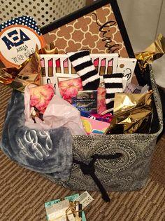 Auburn ΑΞΔ Big / Little Total Sorority Move sorority sugar Alpha Xi Delta Cheer Sister Gifts, Little Sister Gifts, Big Little Gifts, Cheer Gifts, Diy Gifts, Big Little Week, Big Little Reveal, Sorority Sugar, Sorority Life