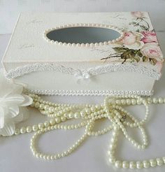 Check out this item in my Etsy shop… Tissue Box Holder, Tissue Box Covers, Tissue Boxes, Shabby Chic Accessories, Shabby Chic Decor, Bridal Accessories, Diy Crafts For Gifts, Crafts To Make, Arts And Crafts