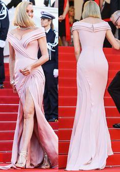 Uma stuns in an off shoulder Atelier Versace dress