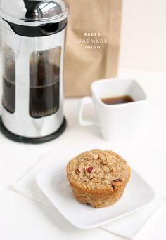 Baked oatmeal muffins - breakfast to go! Oatmeal Muffins, Breakfast Muffins, Baked Oatmeal, Oatmeal Bites, Applesauce Muffins, Frozen Breakfast, Morning Breakfast, Breakfast Club, Breakfast Ideas