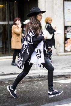 Paris Fashionweek day 6 – Sandra Semburg