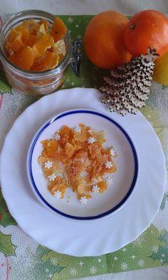 Hozzávalók : - 3 ( kezeletlen ) héjú narancs - 3 ( kezeletlen ) héjú citrom - cukor Elkészítés : A gyümölcsöket zöldséghámozóval...