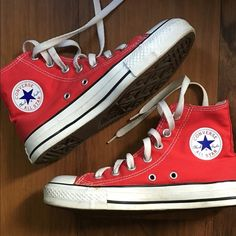 Converse All Star High Tops Red Converse All Star High Tops. Good condition, with normal wear. Red Converse, Outfits With Converse, Converse Sneakers, Converse All Star, Sneakers Fashion, Converse Outlet, Wedding Converse, All Star Shoes, Tennis