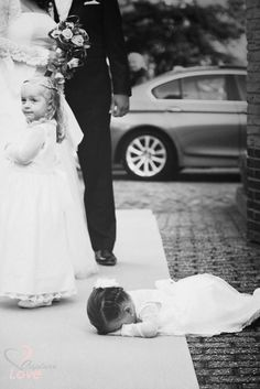 #capturelove #wedding #child #crying #happy #couple #sweet