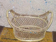Oval Wicker Basket Very Pretty :) by Daysgonebytreasures on Etsy