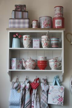 I love this cute shelf I am going to buy some pretty china cups/saucers from the local Value Village thrift store & display them in my kitchen.
