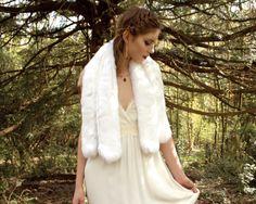 Bridal Gatsby look. Faux fur scarf by Blanche in the Brambles. Dress Laure de Sagazan Ruiz