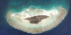 The Juan de Nova Island in the Mozambique Channel resembles a jellyfish Alpaca My Bags, Space Shows, Safe Haven, Archipelago, Arctic, Whale, Ocean, Earth, Nova