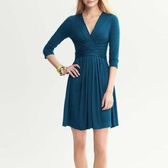 NWT Banana Republic Issa dress Teal color (first pic)  -as seen on Princess Kate Middleton (3rd picture) Banana Republic Dresses
