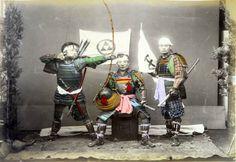 Fotos fantásticas do Japão no século 19, datadas provavelmente por volta de 1886 , feitas pelofotógrafo italiano Adolfo Farsari. Imagens fascinantes da coleção de Yves Tennevin, que refletem a vida no Japão daquela época.                      (...)