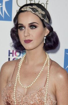 Vintage Makeup Pretty makeup and hair. Gorgeous look for Great Gatsby premire by Charlotte Fisher Katy Perry, Gatsby Hair, 1920s Hair, Beauty Makeup, Hair Makeup, Hair Beauty, Eye Makeup, Great Gatsby Makeup, 1920s Makeup Look
