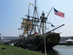 """""""When the United States was young, ships from Salem, MA helped to build the new nation's economy by carrying cargo back & forth from the West to Asia."""" http://www.nps.gov/sama/index.htm The Friendship of Salem, a 171-foot replica of a 1797 ship, serves as a floating museum."""