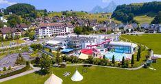 Oberhalb des Vierwaldstättersees in Morschach, auf einem Hochplateau mit traumhafter Aussicht auf den Vierwaldstättersee und in die Urner Alpen, tauchen Sie ein in die erholsame Welt des grössten Ferien- und Freizeitresort der Schweiz.