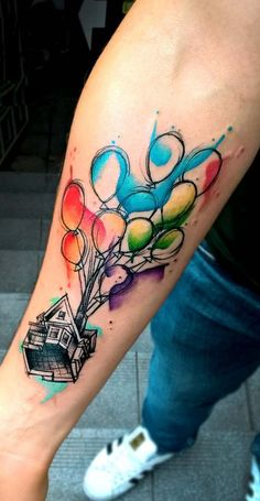 Watercolor Tattoos will transform your body into a can .- What is a watercolor tattoo and what are the advantages and disadvantages of watercolor tattoos? Without doubt this style is one of the most spectacular forms of body art. Disney Tattoos Small, Disney Sleeve Tattoos, Sleeve Tattoos For Women, Small Tattoos, Tattoo Disney, Disney Watercolor Tattoo, Watercolor Tattoo Sleeve, Watercolor Artists, Up Tattoos