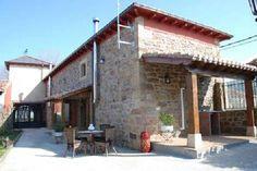 PALENCIA, NESTAR. Casa Rural Villa Esperanza. Son 2 alojamientos con cat. 3 espigas (uno adaptado). Cada uno de ellos con 3 habitaciones, 2 baños, comedor, sala de estar y cocina. En el exterior jardín con barbacoa, #txoko y 2000 m².  Situada en el centro del pueblo, a 5 Km de #AguilarDeCampoo y rodeada de un entorno ideal para realizar #kajak, #puenting, #rafting, pesca,  #turismoOrnitológico, windsurf, o visitar el #ValleDeCovalagua,  Brañosera o la #EstaciónEsquíAltoCampoo…