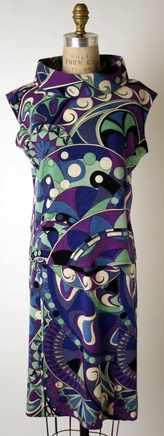 Dress Emilio Pucci, 1965 The Metropolitan Museum of Art.I can always recognize an Emilio Pucci print! 60 Fashion, Fashion History, Retro Fashion, Trendy Fashion, Vintage Fashion, Fashion Design, Vintage Couture, Emilio Pucci, Vintage Dresses