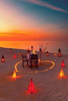 Romantic Date Night Ideas, Romantic Surprise, Romantic Dates, Romantic Room, Romantic Beach, Romantic Bedroom Decor, Dream Dates, Beach Dinner, Cute Date Ideas
