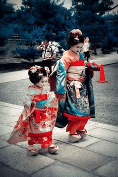 Maiko and little Maiko