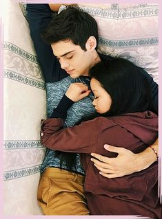 noah centineo, couple, and lara jean image Lara Jean, Relationship Goals Pictures, Cute Relationships, Relationship Rules, Boyfriend Goals, Future Boyfriend, Hits Movie, Movie Couples, Cute Couple Pictures