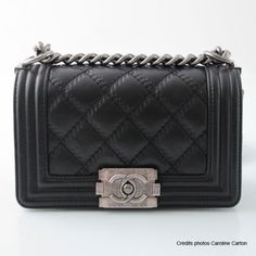 e26e1b3da4c0cf Chanel Boy's bag in black calfskin Depot Vente Luxe, Chanel Boy Bag, Chanel  Bags