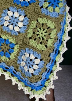 Traditional Granny Blanket made by tartlime, free pattern by Lion Brand, thanks so for share xox