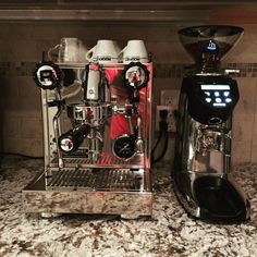 The Rocket Espresso Appartamento is a heat exchanger espresso machine designed to contain the power of high-end equipment in stylized, compact housing. Best Home Espresso Machine, Italian Espresso Machine, Commercial Espresso Machine, Steam Boiler, Heat Exchanger, Drip Tray, Latte Art, Home Crafts