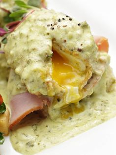 The hatch green chile hollandaise sauce