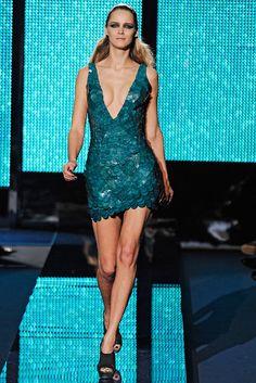 Versace Fall 2009 Ready-to-Wear Fashion Show - Carmen Kass