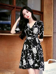 Amelie dress line. Korean Outfit Street Styles, Korean Fashion Dress, Korean Outfits, Fashion Dresses, Face Angles, Amelie, Work Fashion, Dream Dress, Cute Girls