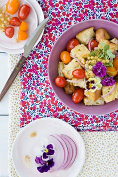 Panzanella salad @Jen Laceda | Tartine and Apron Strings