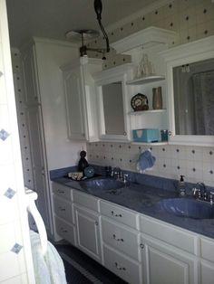 Beautiful Amish bathroom~ Sarah's Country Kitchen ~