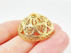 2 Large 22mm Ornate Filigree  Round Beadcap ..maak hiervan bv 2 van in iets groter maat(oorbellen)
