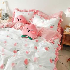 Cute Peaches Bedding Set Notice: The bedding set has a duvet cover with no filling,a bed sheet and pillowcase ●Size:tips the size of the quilt to choose the bedding set.