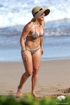Pin for Later: Hilary Duff Shows Off Her Insane Bikini Body in Hawaii!