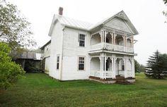 Folk Victorian Farmhouse