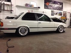 Complete exterior paint job, hand sanded and buffed, finished in its original BMW color of sterling silver with new PPG base coat and clear coat. Bmw 318is E30, Vw Gol, Alpine White, Bmw 3 Series, Car Tuning, Exterior Paint, Cars For Sale, Euro, Inspired