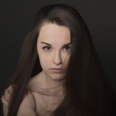 Woman Studio Headshot. Beauty. Author: Paweł Diaczek