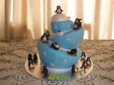 LOVE the crooked cake sledding thing going on! And the blue too! For sure have to have the igloo!