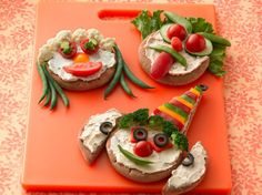 Funny Face Mini Veggie Pizza - Not-so-Ordinary Pizza Recipes curated by SavingStar. Get free grocery coupons at savingstar.com
